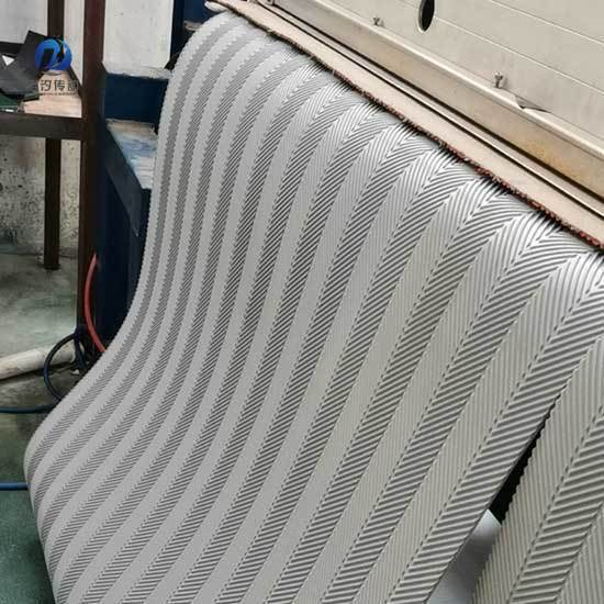 魚骨紋PVC輸送帶制作環形